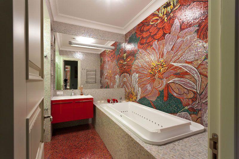 Дизайн маленькой ванны с панно