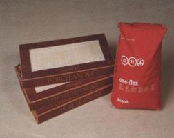 Выбор клея для кладки плитки является очень важным моментом. Следует обратить внимание на тип поверхности, на которую будет укладываться керамическая плитка