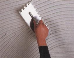 Рекомендуется система укладки на тонкий слой клея при помощи эластичного раствора и так называемой